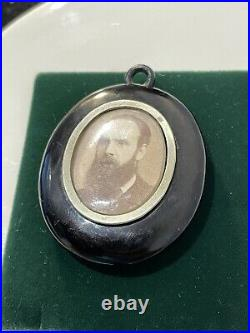 Antique Victorian Carved Jet Locket / Pendant Mourning Jewelry Rare Collectible